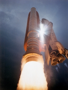STS-43_Launch_-_GPN-2000-000731